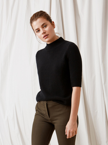 Product thumbnail of Chunky Short Sleeve Turtle Neck