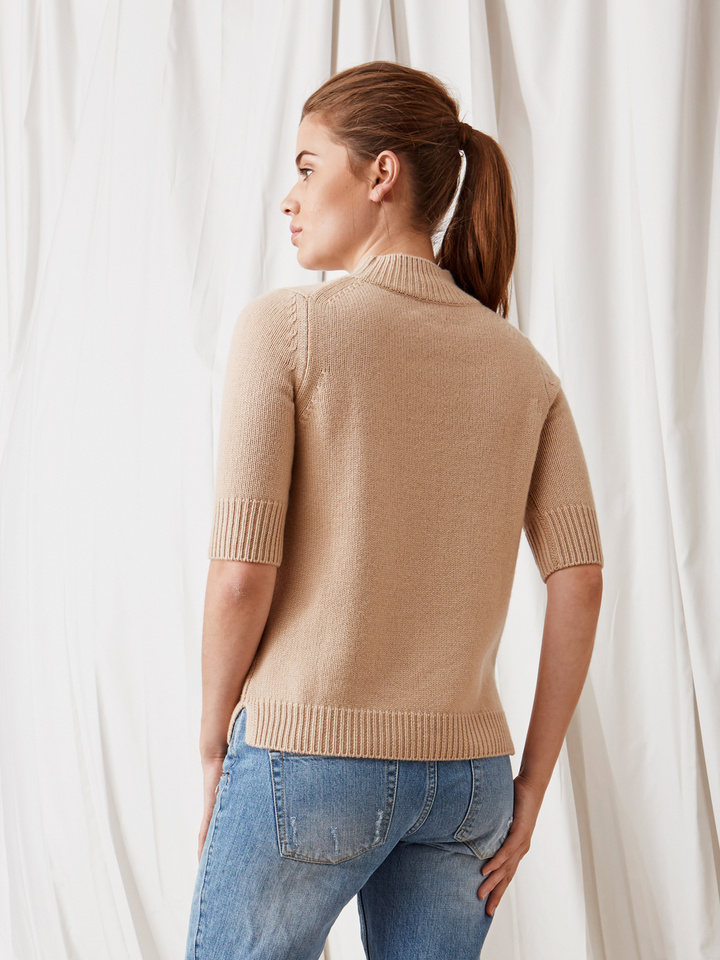 Soft Goat Chunky Short Sleeve Turtle Neck Camel