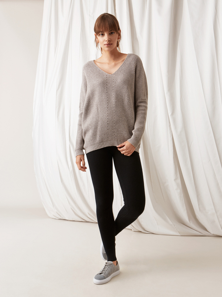 Soft Goat Chunky V-Neck Sweater Light Taupe