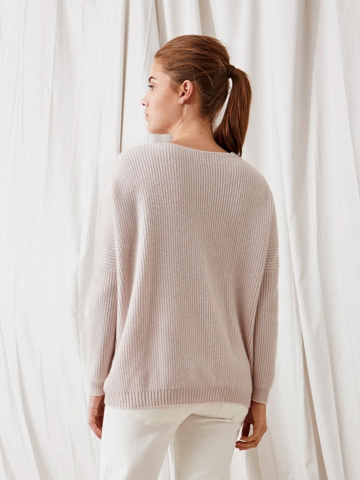 Soft Goat Chunky V-Neck Sweater Marshmallow