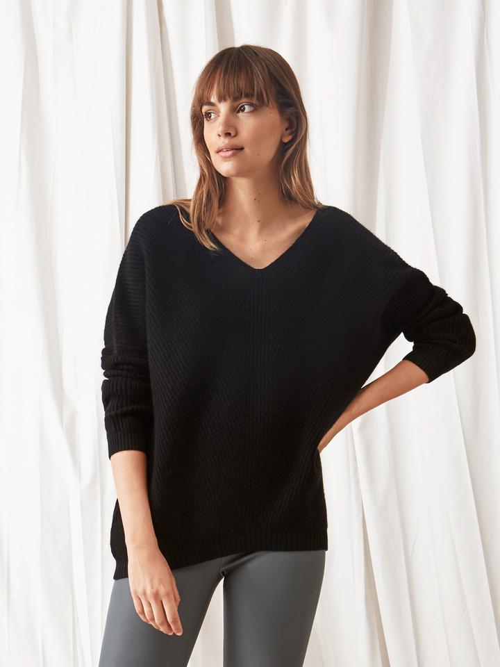Soft Goat Chunky V-Neck Sweater Black
