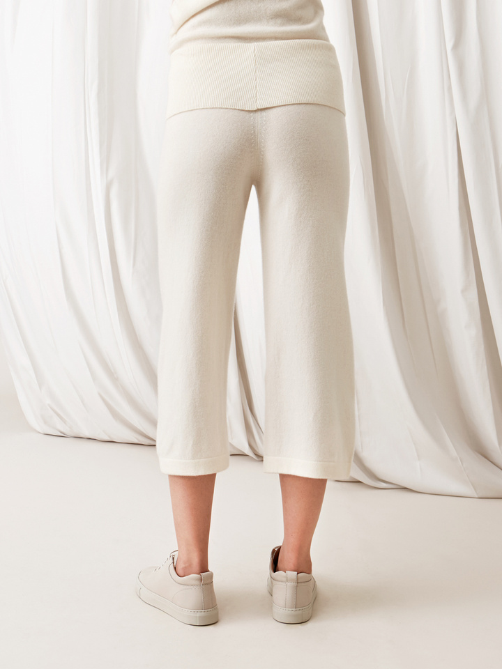 Soft Goat Women's Cropped Pants Off White
