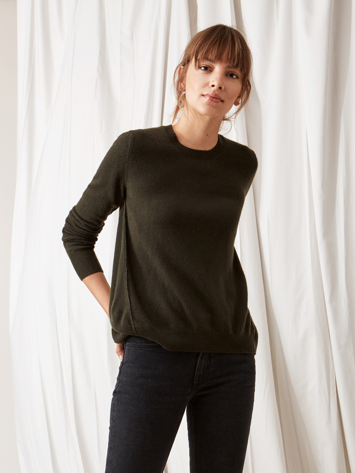 Soft Goat Curved Sweater Deep Green