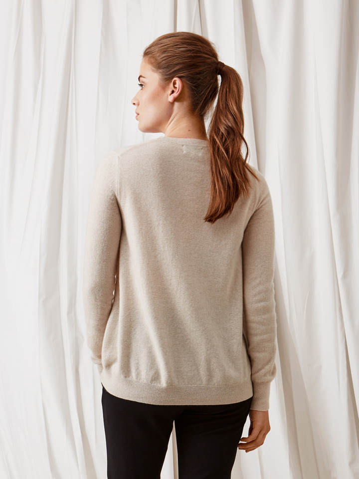 Soft Goat Curved Sweater Beige