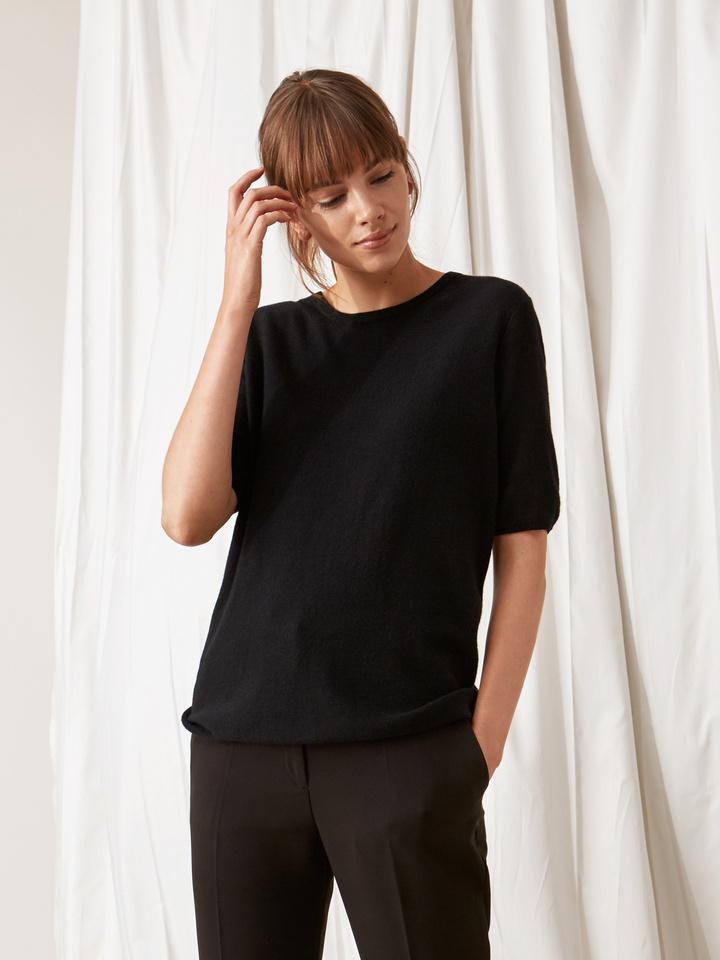 Soft Goat Fine Knit T-Shirt Black