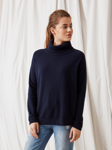 Product thumbnail of Oversize Turtle Neck