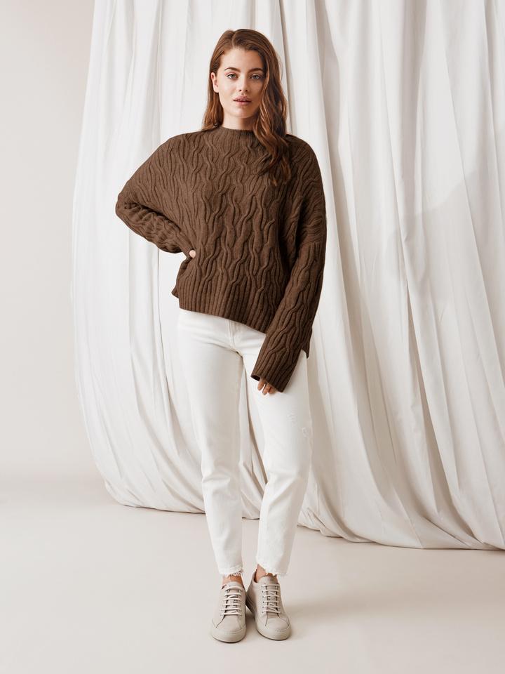 Soft Goat Oversized Cable Knit Mocca