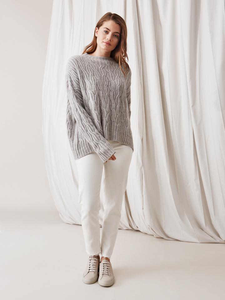 Soft Goat Oversized Cable Knit Light Grey