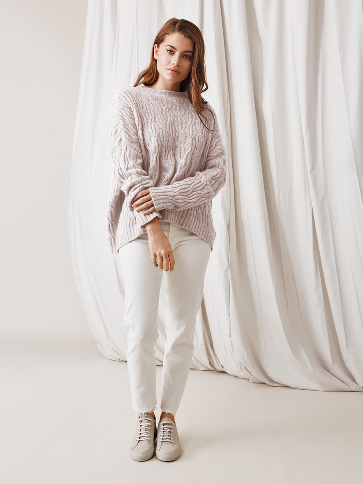Soft Goat Oversized Cable Knit Marshmallow