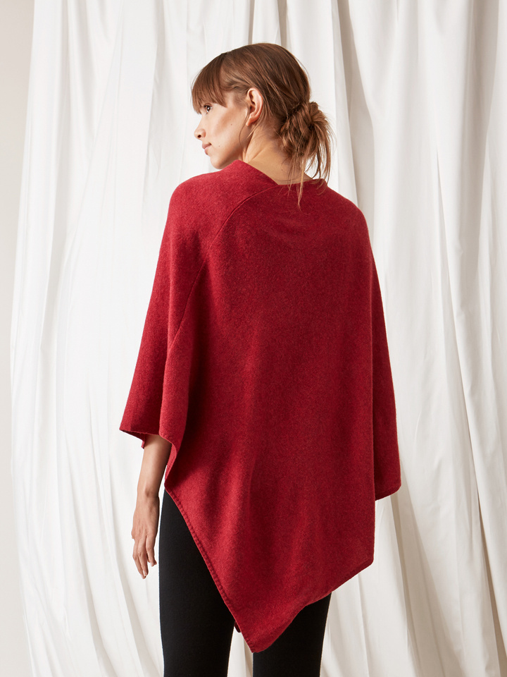 Soft Goat Plain Poncho Pomegranate