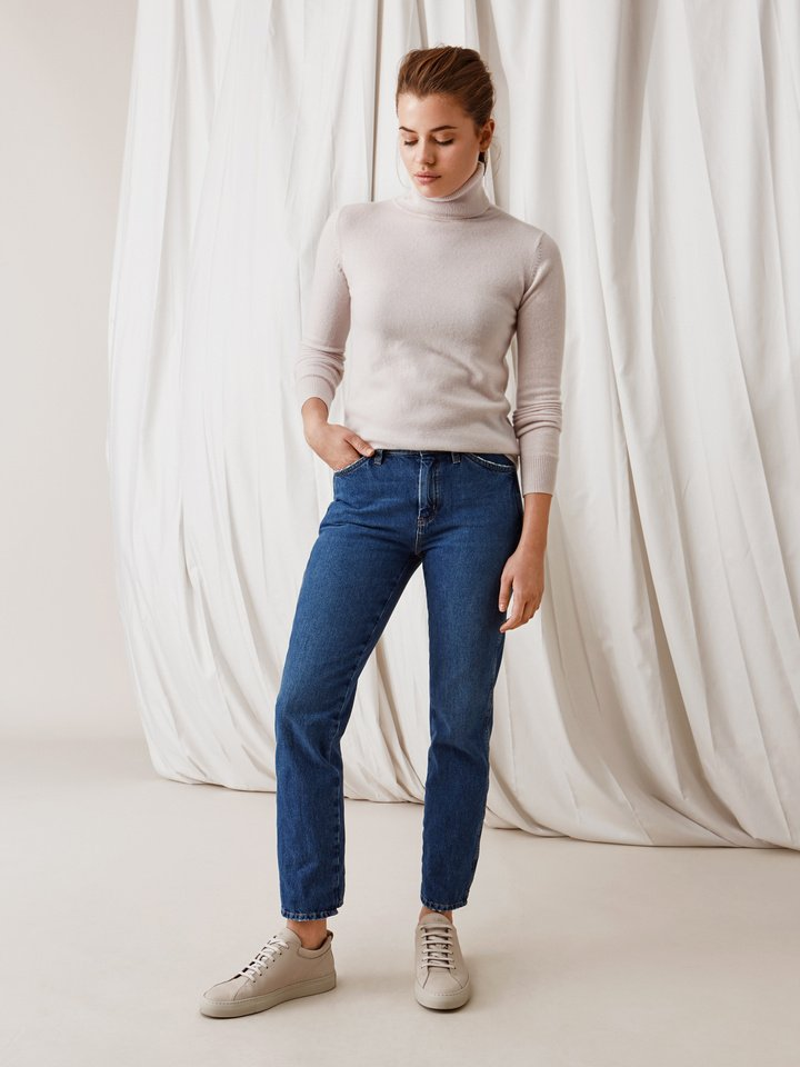 Soft Goat Plain Turtle Neck Marshmallow