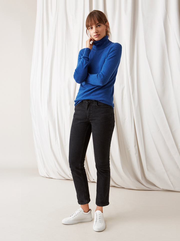 Soft Goat Plain Turtle Neck Royal Blue