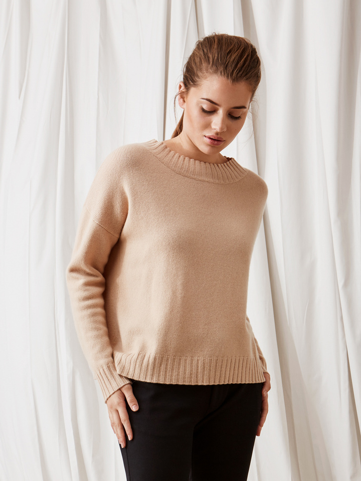 Soft Goat Relaxed Sweater Camel