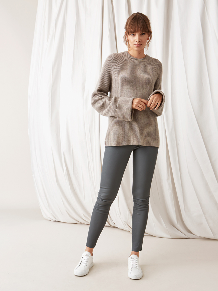 Soft Goat Ribbed Chunky Knit Light Taupe