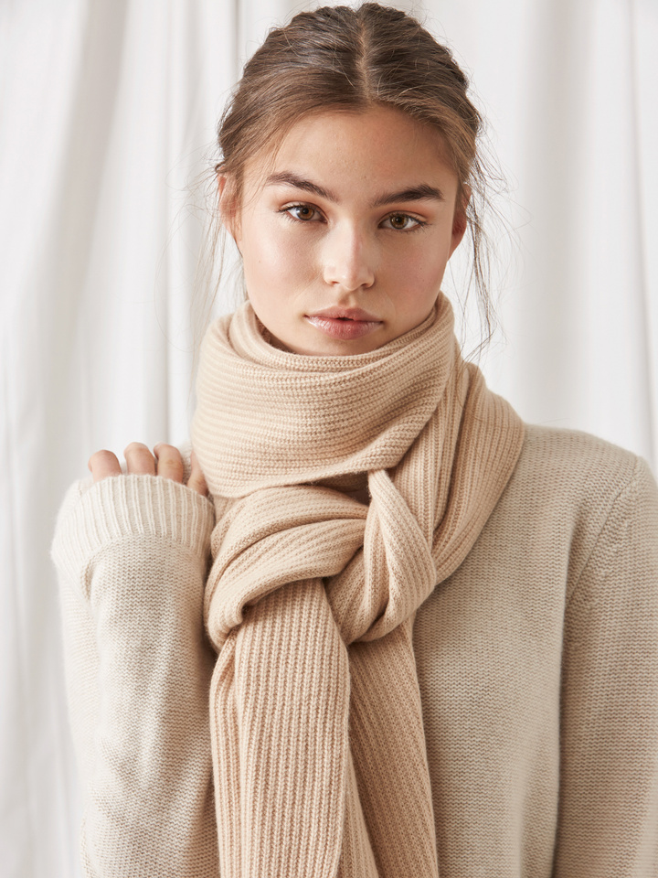 Soft Goat Ribbed Scarf Camel