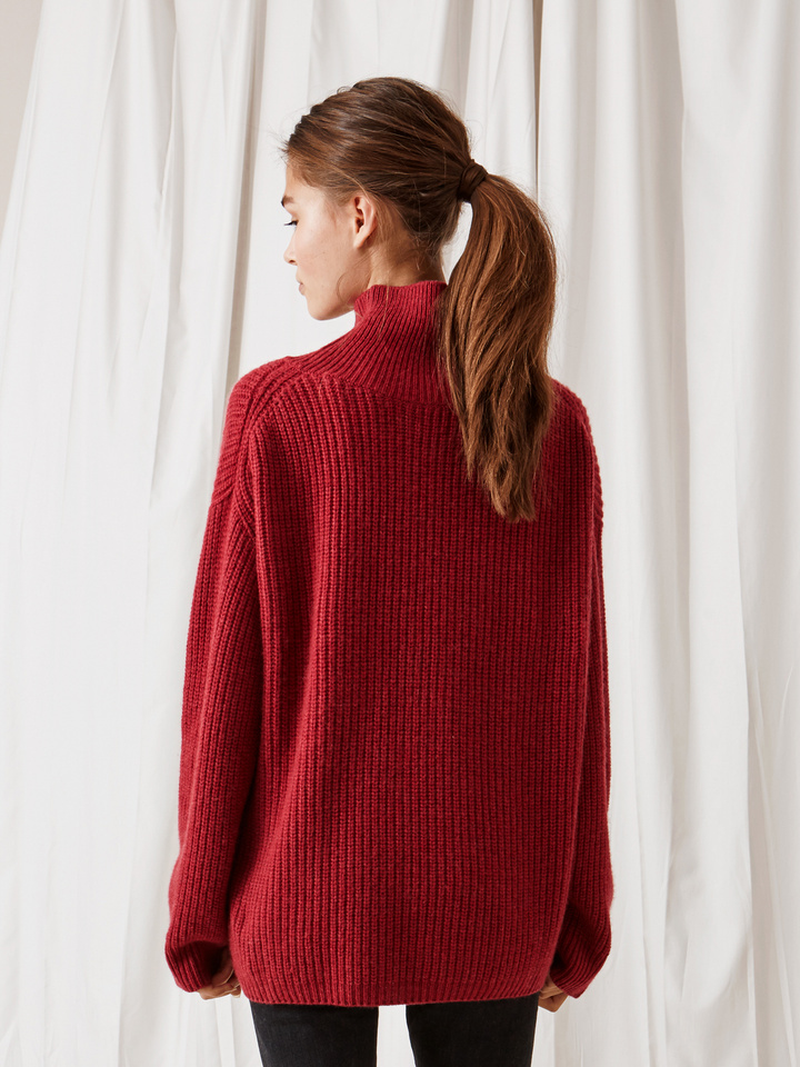 Soft Goat Ribbed Turtle Neck Pomegranate