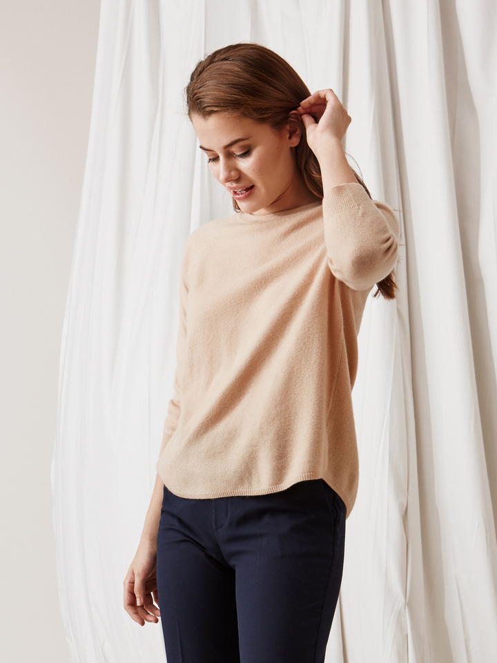 Soft Goat Rounded Sweater Camel