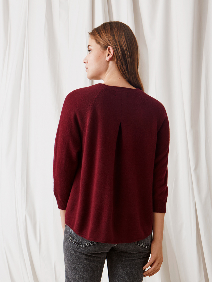 Soft Goat Rounded Sweater Burgundy