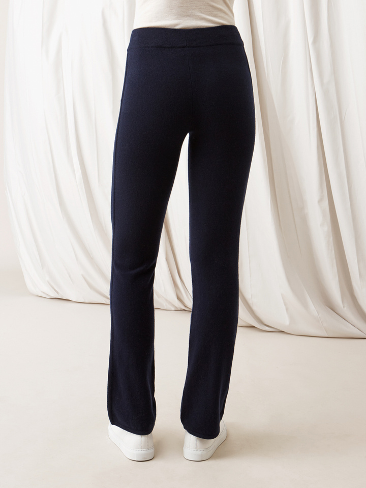 Soft Goat Straight Pants Navy