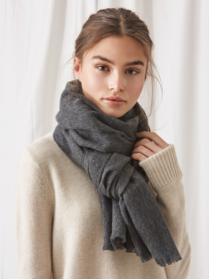 Soft Goat Women's Woven Scarf Dark Grey