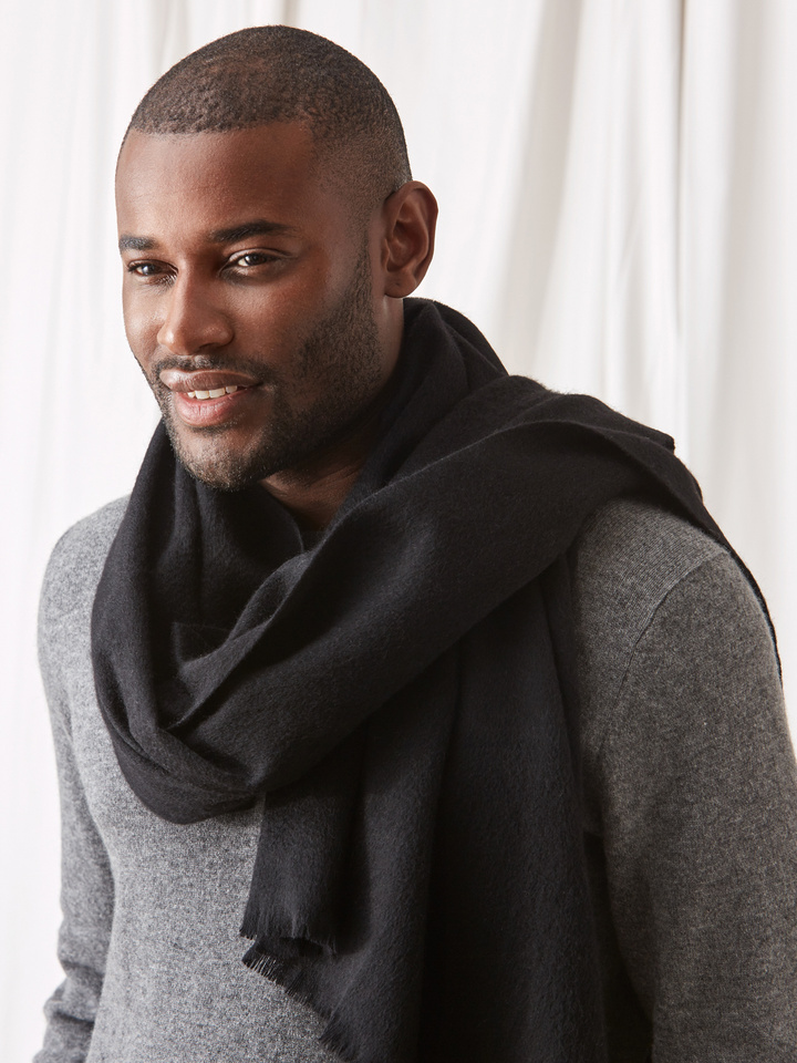 Soft Goat Woven Scarf Black