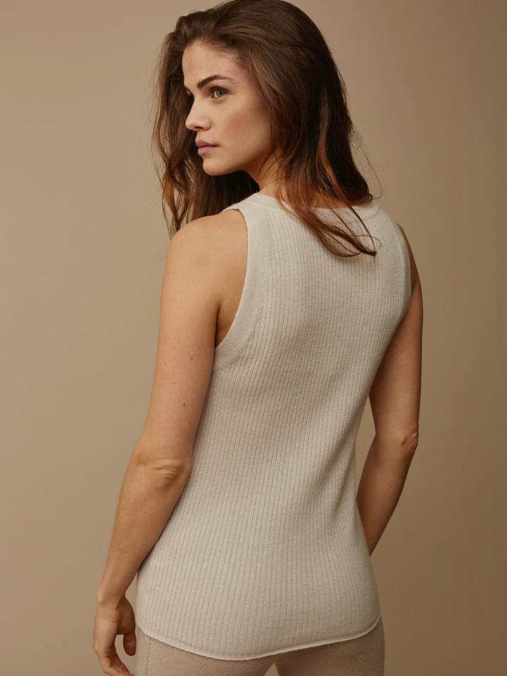 "<span class=""js-statics"" title=""Missing static search site_product_thumbnail"">site_product_thumbnail</span> Fine Knit Ribbed Singlet"