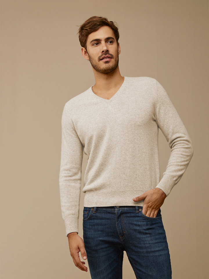 Thumbnail Men's Fine Knit V-Neck