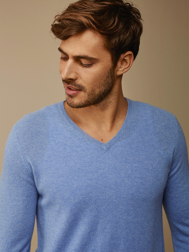 Thumbnail Men's V-neck
