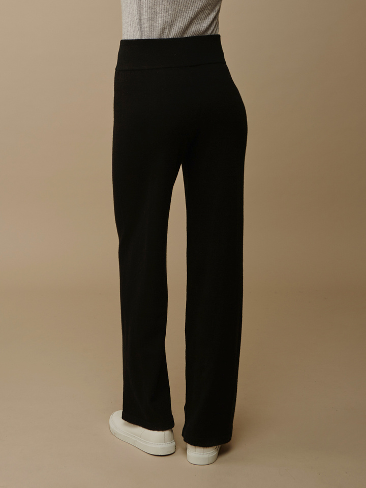 Soft Goat Wide Pants Black