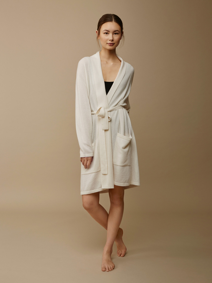 "<span class=""js-statics"" title=""Missing static search site_product_thumbnail"">site_product_thumbnail</span> Women's Bathrobe"