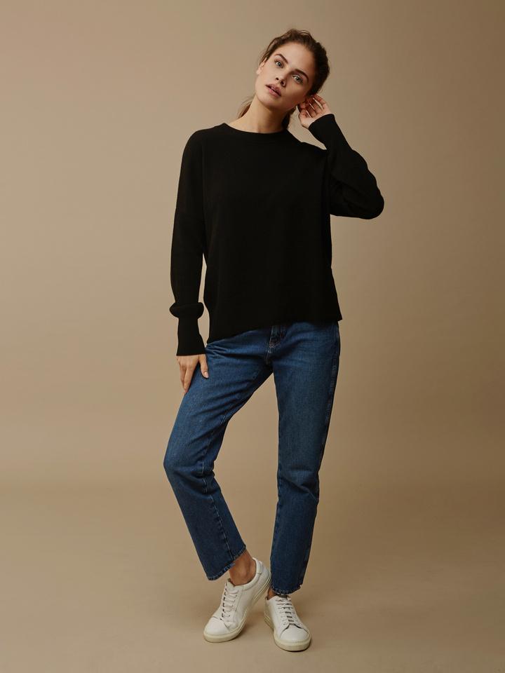 Soft Goat Women's Boyfriend Sweater Black