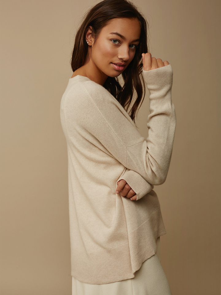 "<span class=""js-statics"" title=""Missing static search site_product_thumbnail"">site_product_thumbnail</span> Women's Boyfriend Sweater"
