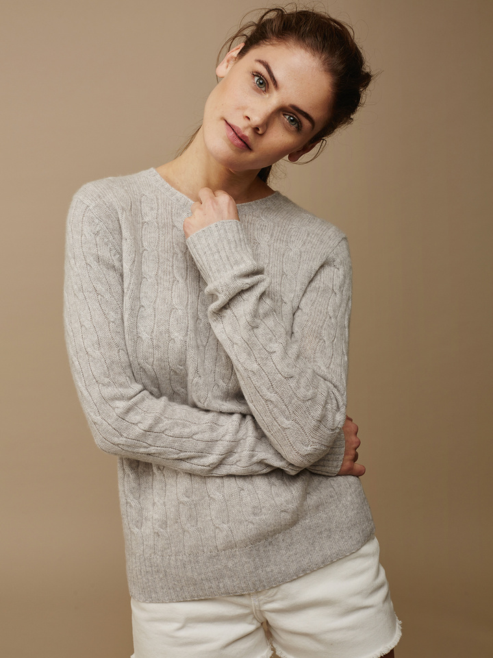 Soft Goat Women's Cable Knit Light Grey