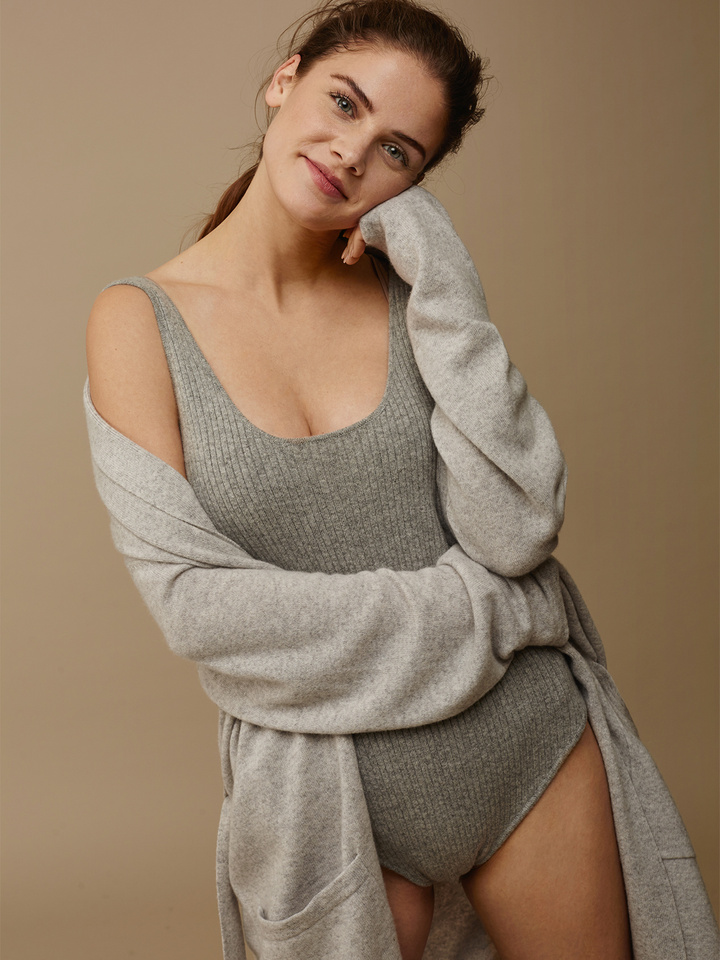 "<span class=""js-statics"" title=""Missing static search site_product_thumbnail"">site_product_thumbnail</span> Women's Cashmere Body"